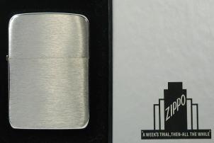 Zippo社2001モデル